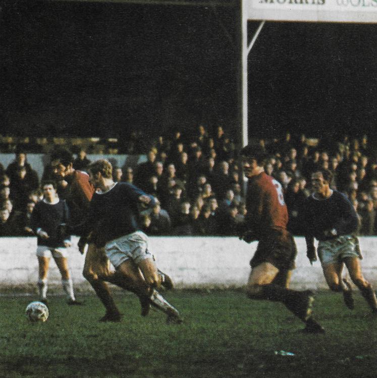 1969-70 Town v Orient, 7 Oct 1969.jpg